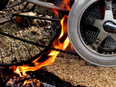 Brinnande däck...